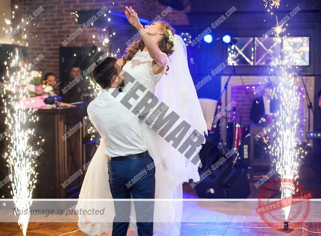 Cours particuliers de danse à domicile de Salsa, Bachata, Kizomba, Rock, Coach Ouverture bal mariage. Cours Collectifs sur la Région de Rennes